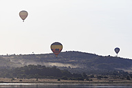 South Africa, North West, Bojanala Platinum, three hot-air balloons at Pilanesberg Game Reserve - FO008196