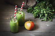 Green smoothies with an apple - EVGF001973