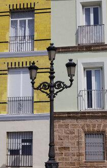 Spain, Cadiz, candelabrum in front of facades - HCF000134