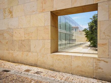 Spain, Zamora, Calle Obispo Manso, View to courtyard - LA001445