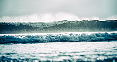 Indonesia, Bali, breaking waves - KRPF001567