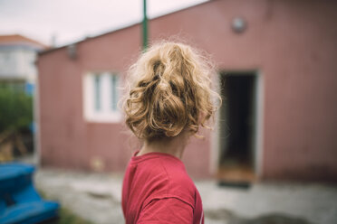 Back view of blond little girl - RAEF000234