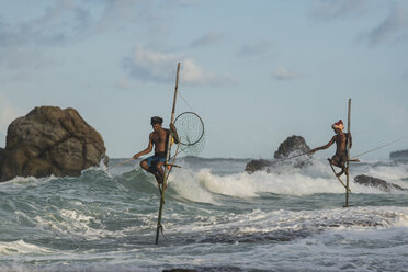 Sri Lanka, Galle, stilt fishermen - TOVF000005