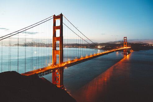 USA, San Francisco, Golden Gate Bridge in the evening - GIOF000074