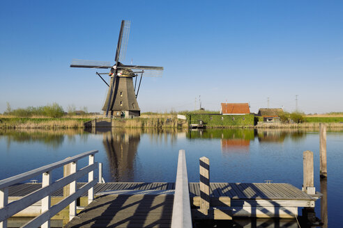 Netherlands, Kinderdijk, Kinderdijk wind mill - MEMF000894