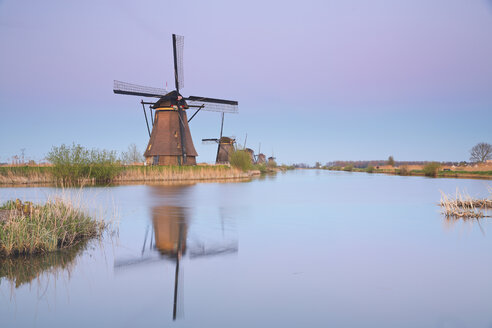 Netherlands, Kinderdijk, Kinderdijk wind mills at twilight - MEMF000899