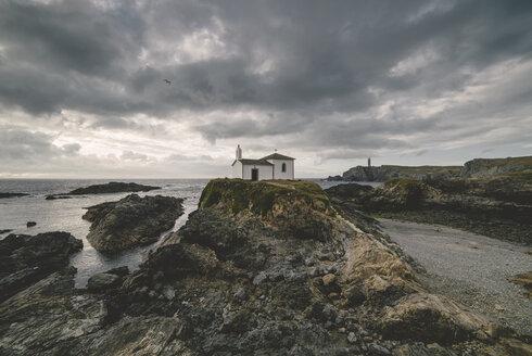 Spain, Valdovino, Meiras, little chapel at the Galician coast - RAEF000240