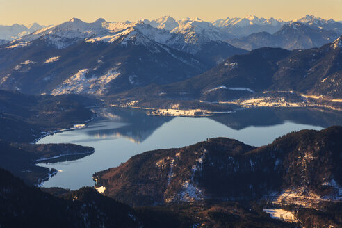 Germany, Bavaria, Lake Walchensee and Wetterstein mountains - PEDF000033