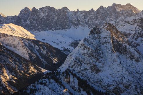 Austria, Tyrol, Karwendel mountains in winter - PEDF000097