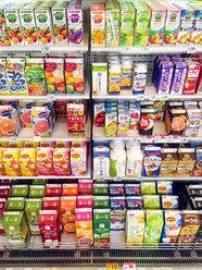 Japan, Juices in supermarket - FL001177