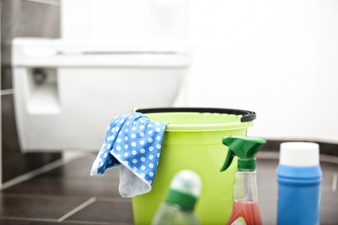 Cleansing agents in bathroom - MFRF000342
