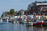 Germany, Warnemuende, Old Channel, Warnow river and fishing boats - FRF000305