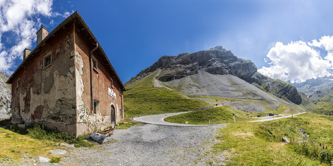 Italy, Lombardy, Veltlin, Stelvio Pass, abandoned house - STSF000838