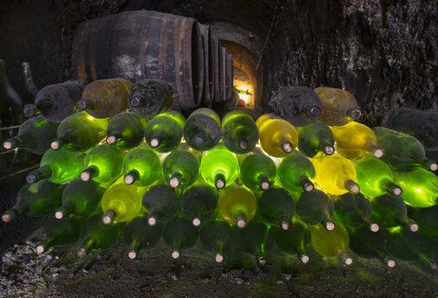 Austria, Lower Austria, Weinviertel, wine cellar - SIE006704