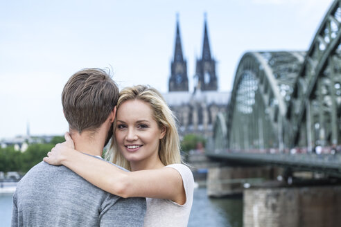 Germany, Cologne, happy young couple - FMKF001796