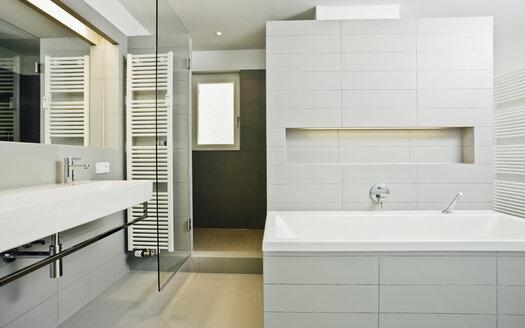 Modern bathroom - CHAF001046