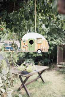 Caravan Bird Houses hanging in a tree - IPF000240
