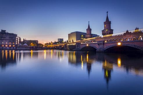 Germany, Berlin, the Oberbaumbruecke in twilight - NKF000362