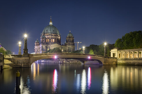 Germany, Berlin, Berliner Dom and Spree River at night - NKF000348