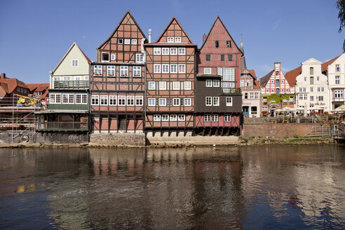 Germany, Lueneburg, half-timbered and gable houses on Ilmenau river - PCF000171