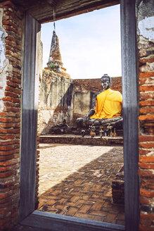 Thailand, Ayutthaya, old buddha statue in buddha temple - EH000200