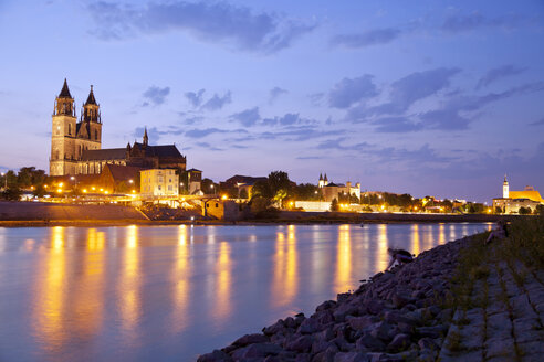 Germany, Magdeburg, banks of the Elbe and the Cathedral of Magdeburg at dusk - PCF000182