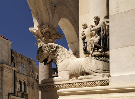 Croatia, Split, Cathedral of Saint Domnius, sculpture - BTF000364