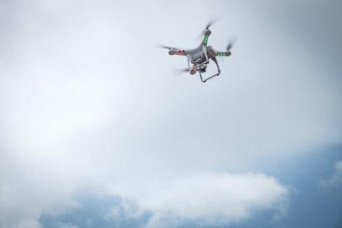 Flying drone - ABAF001908