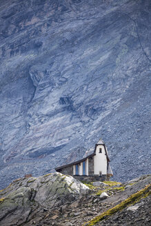Austria, Soelden, church at Oeztal Glacier Road - STSF000880
