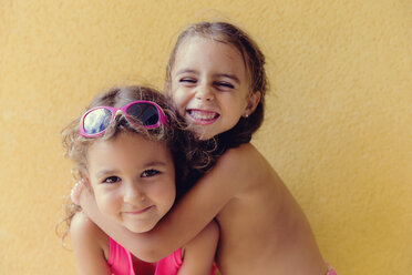 Portrait of two little girls - ERLF000083