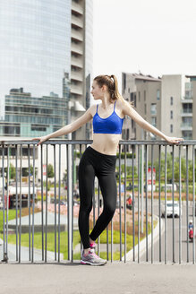 Young woman doing workout in the city - PASF000028
