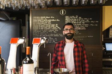 Portrait of owner in his pub - JASF000113