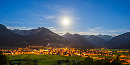 Germany, Bavaria, Allgaeu Alps, Oberstdorf at night - WGF000717