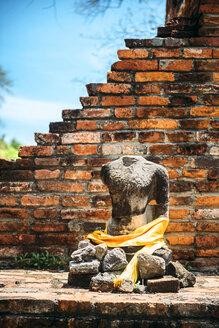 Thailand, Ayutthaya, torso of ancient Buddha statue - EHF000220