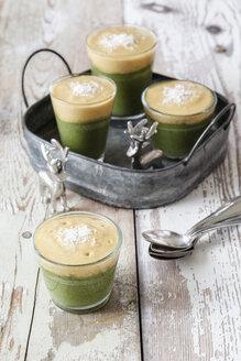 Green smoothies, dessert with vanilla sauce, raw food - EVGF002262