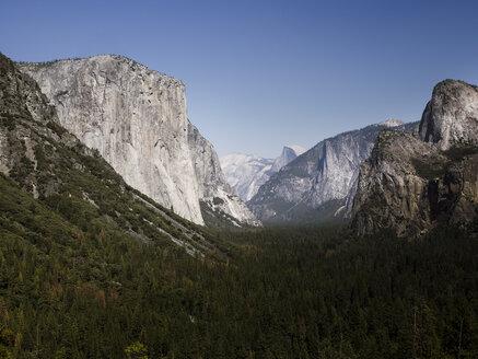 USA, California, Yosemite National Park, View of El Capitan and Half Dome - SBDF002237