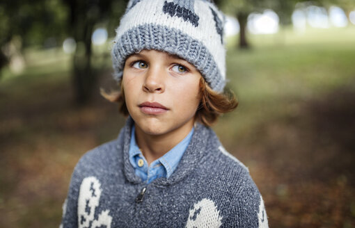 Portrait of boy wearing autumn fashion - MGOF000793