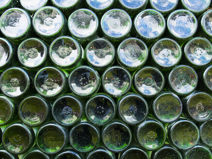 Wine bottles, stacked - AMF004268