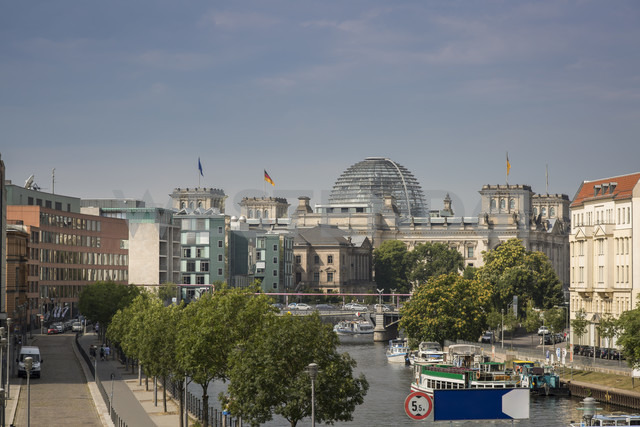 Germany, Berlin, Reichstag and Spree river - NKF000410