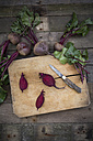 Sliced organic beetroot on wooden board - LVF003927