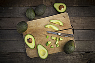 Whole and sliced avocado - LVF003978