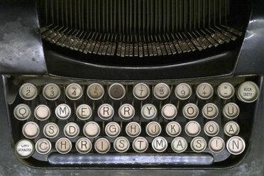 Merry Christmas on old typewriter - CMF000335