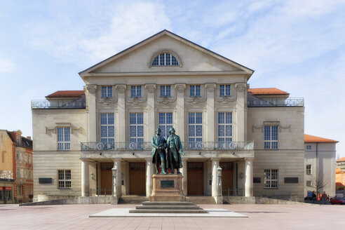Germany, Thuringia, Weimar, German National Theatre, Goethe-Schiller Monument - KLRF000244