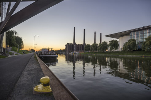 Germany, Lower Saxony, Wolfsburg, Autostadt in the evening, combined heat and power station of Volkswagen - PVCF000699