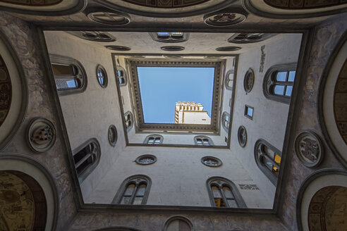 Italy, Florence, facades of courtyard of Palazzo Vecchio - FO008299