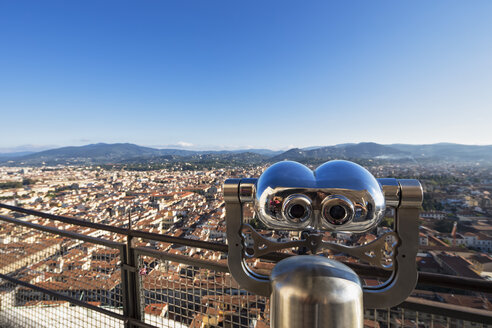 Italy, Tuscany, Florence, Binocular and cityscape - FOF008320