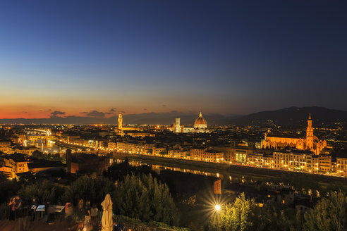 Italy, Tuscany, Florence, Cityscape, View of Cattedrale di Santa Maria del Fiore in the evening - FOF008333