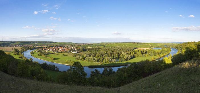 Germany, Lower Franconia, Main river loop with Fahr village near Volkach - SIEF006821