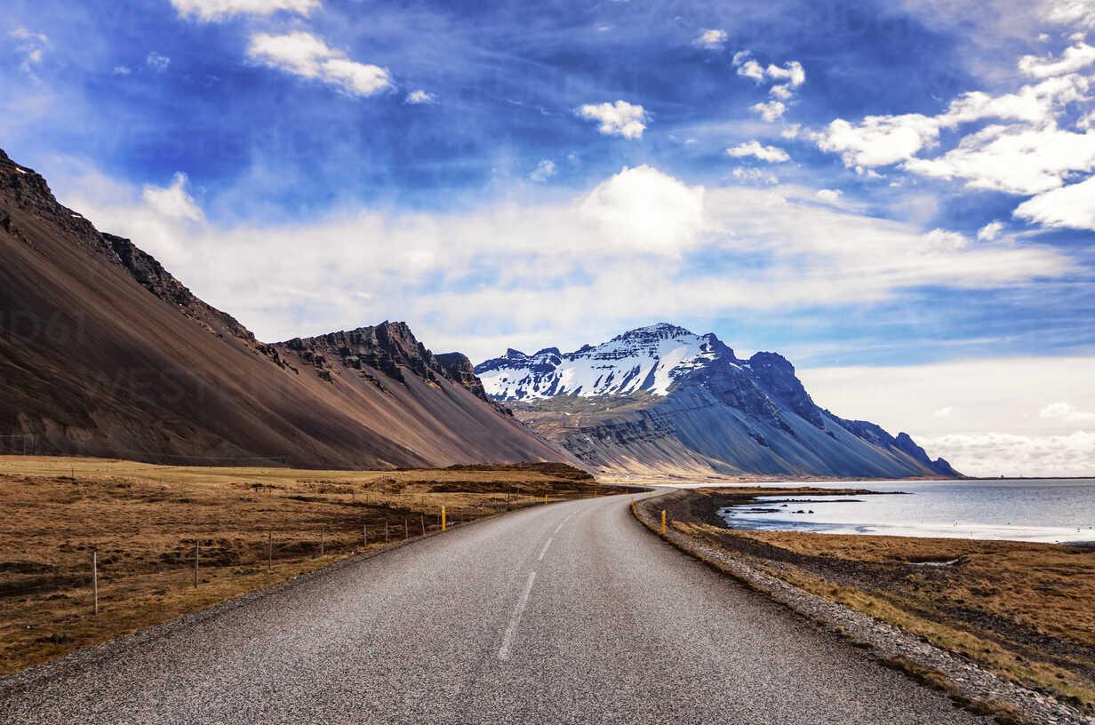 Iceland, Highway 1 near Hofn - SMAF000383 - Scott Masterton/Westend61