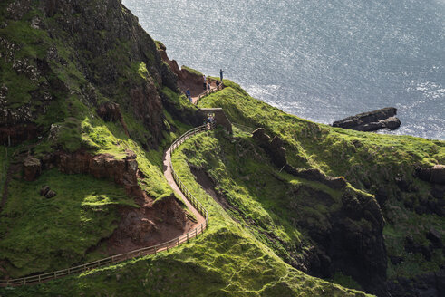 UK, Northern Ireland, County Antrim, Causeway Coast hiking trail - ELF001683